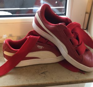 Puma Lace-Up Sneaker red