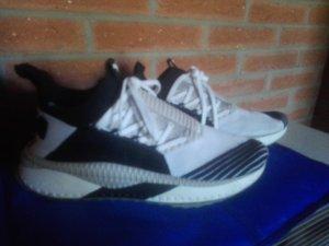 Puma Schuhe Gr. 41,5