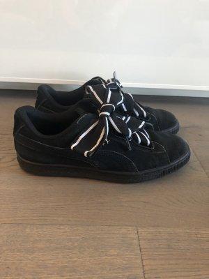 Puma Sneaker aus Nubukleder mit 2 breiten Schnürsenkel