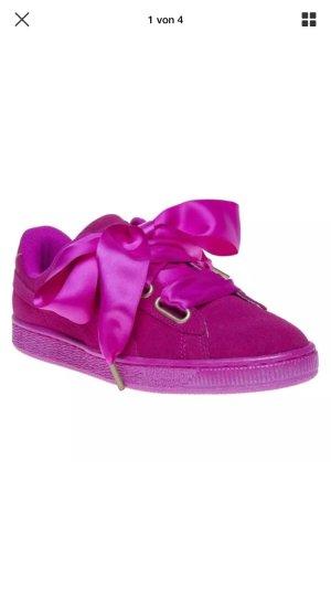 Puma Sneaker 'Basket Heart' aus Veloursleder - Suede Heart Sati - Pink