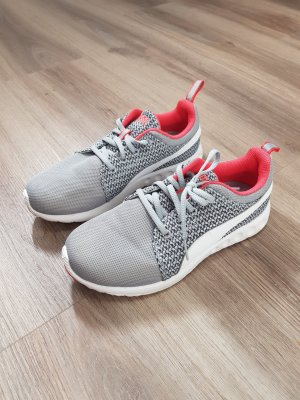 Puma Sneaker Gr. 37