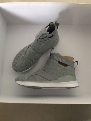 Puma Sneaker gr. 38 Neu!