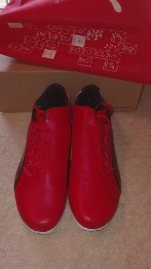 Puma Sneaker im Ferrari-Design, Gr. 44