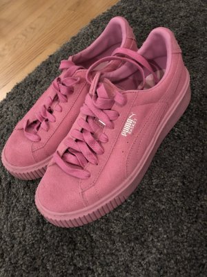 Puma Lace-Up Sneaker pink