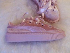 Puma High Top Sneaker pink