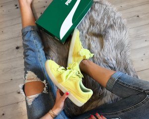 Puma Suede Heart Reset yellow