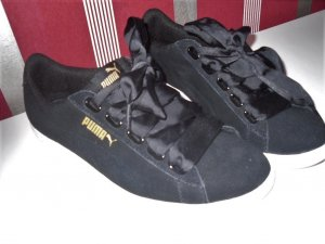 Puma Lace-Up Sneaker black-gold-colored suede