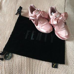Puma x Fenty Schleifen Sneaker / Pink
