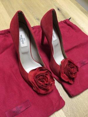 Pump Peep Toe in rot mit Rose