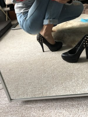 High-Front Pumps black-gold-colored