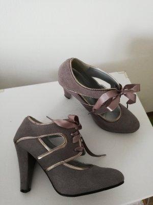 Escarpins à lacets gris