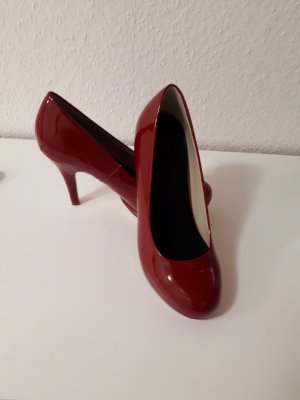 Another A Tacones rojo oscuro