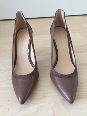 Banana Republic Spitse pumps bruin Leer