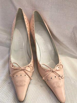 Chanel Zapatos de punta rosa empolvado