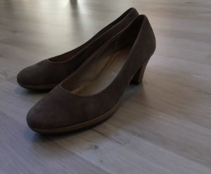 Pumps / Farbe: taupe