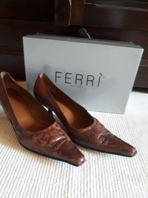 Pumps. Ferri. braun.