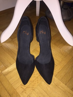 Pumps / High Heels in schwarz von Nelly (Nly)