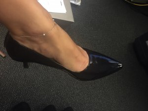 Pointed Toe Pumps black