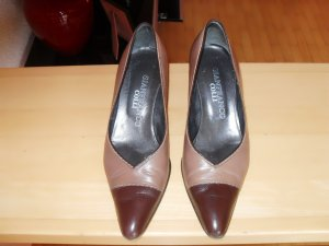 Pumps in braun elegant