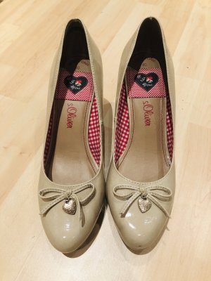 s.Oliver High-Front Pumps cream