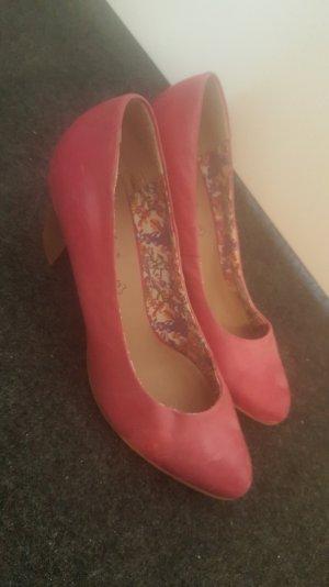 Pumps in Pink mit Komfortabsatz