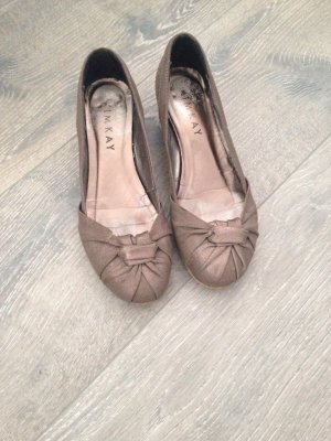 Pumps in taupe-metallic