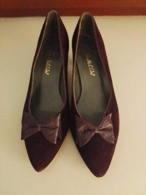 Stiletto violet foncé