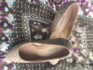 Pumps mit Strass-Aplikationen