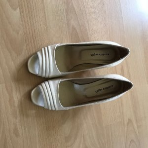Peep Toe Pumps room Leer