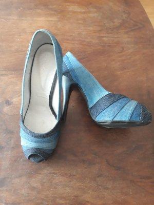 Tacones con punta abierta azul acero