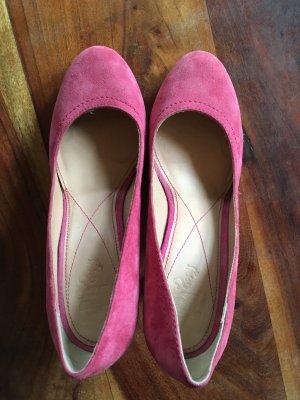 Görtz Shoes Escarpin à plateforme rouge framboise