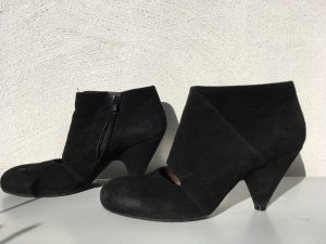 Pumps Schuhe von Vic Matie mit cut-out made in Italy 38