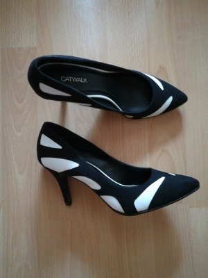 Catwalk Pointed Toe Pumps white-black
