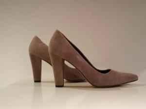 Pumps von Bullboxer in Taupe