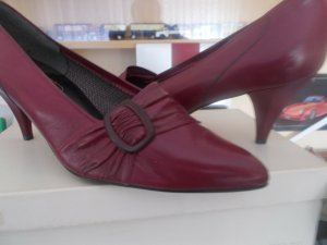 Chaussure à talons carrés bordeau
