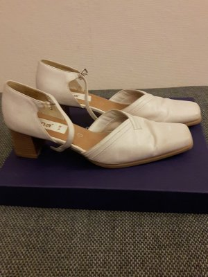 Pumps von Jana in Creme
