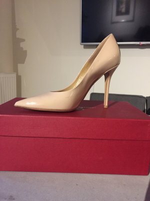 Pumps von Salvatore Ferragamo in Nude