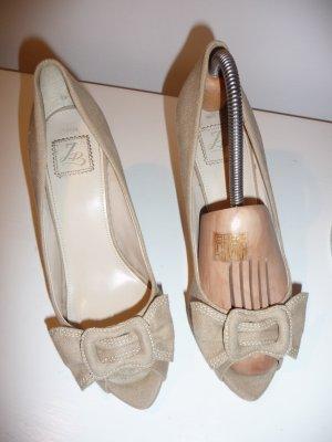 Pumps von Zara mit Schleife