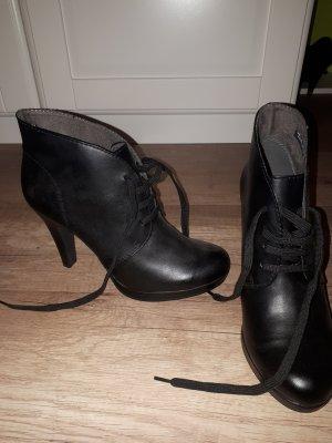 Tamaris Escarpins à lacets noir