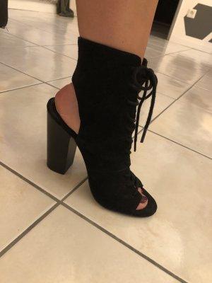 Peep Toe Pumps black