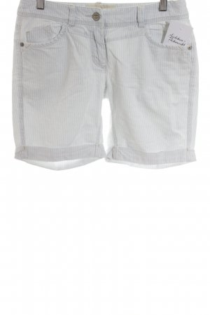 QS by s.Oliver Bermudas azure-natural white striped pattern casual look