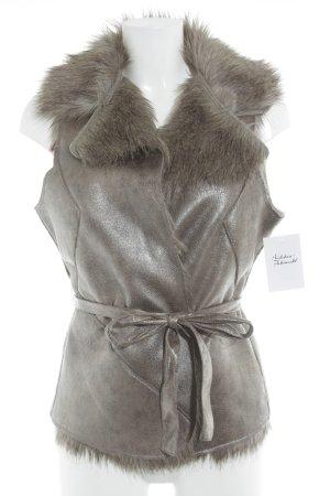 QS by s.Oliver Fellweste graubraun Street-Fashion-Look