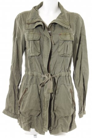 QS by s.Oliver Parka khaki Street-Fashion-Look