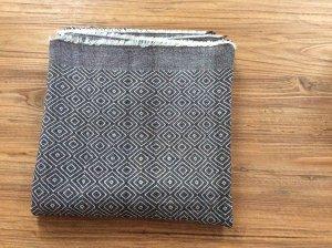 Quadratisches Halstuch von Zara