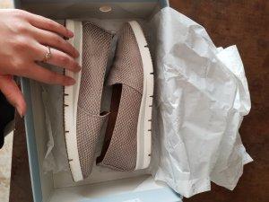 Sandalias cómodas color plata-blanco Cuero