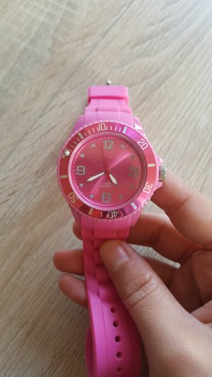Quartz Uhr in Pink
