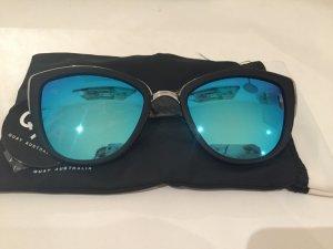 Quay Zonnebril zwart-korenblauw