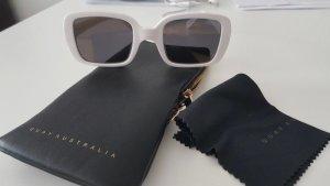 Quay Glasses white-black