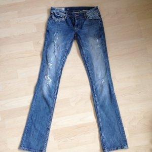 Quiksilver Jeans Destroyed Look 26