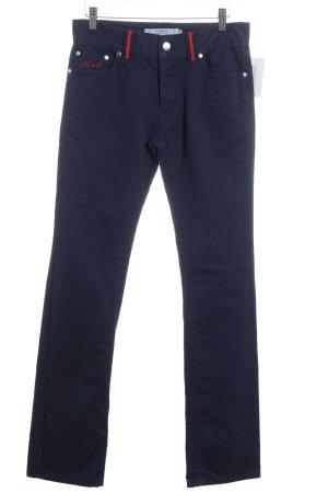 R.E.D. Valentino Straight-Leg Jeans rot-dunkelblau Street-Fashion-Look
